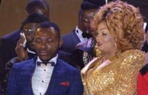 Dynastie le Tigre cries at Canal D'or Awards 2017